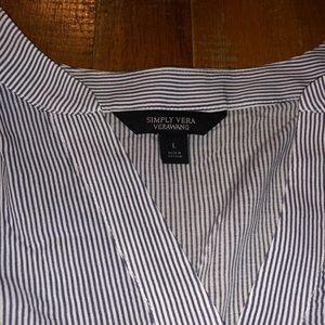 Simply Vera Vera Wang Tops - So soft Simply Vera Dress Shirt Sz Lg